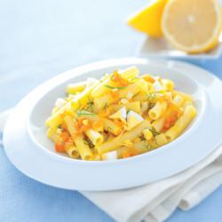 Sedanini allo zafferano con uova profumate al limone