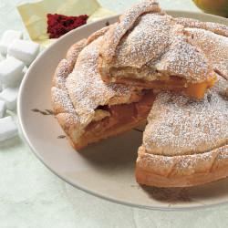 Torta ripiena di mele e crema pasticcera allo Zafferano